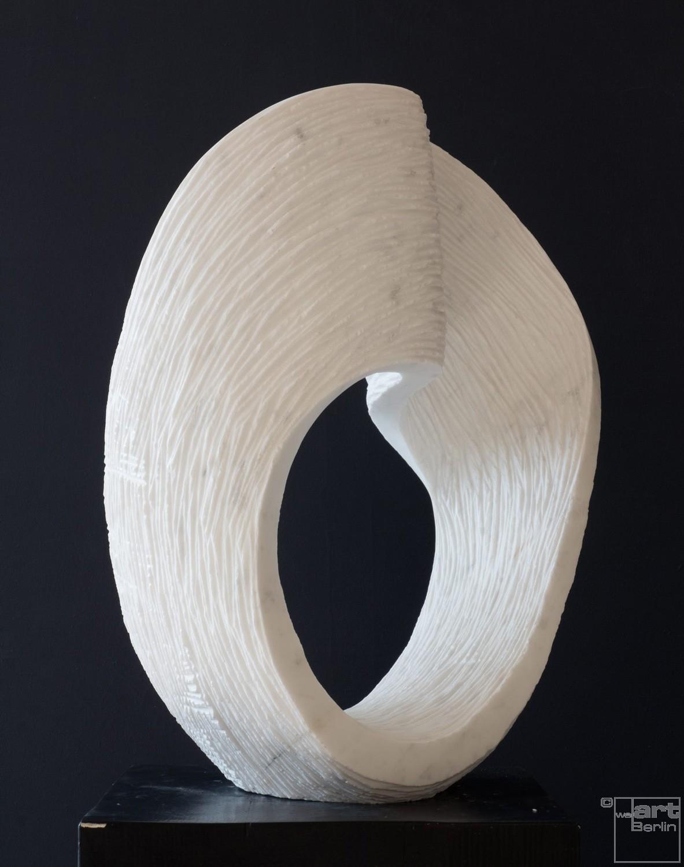 Ordinario, aus Marmor, Stein Skulptur von Bildhauer Klaus W. Rieck