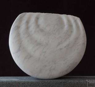 Monde, aus Marmor, Stein Skulptur von Bildhauer Klaus W. Rieck