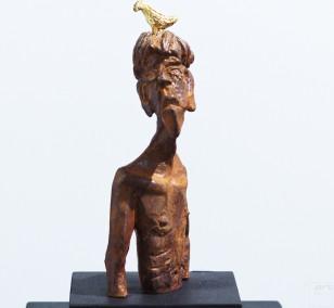 Nesthocker - Eisen Plastik mit Blattgold, Skulptur von Tim David Trillsam, Edition