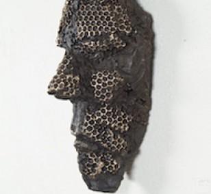 Überleben - Bronze Plastik, Wandobjekt von Tim David Trillsam, Edition