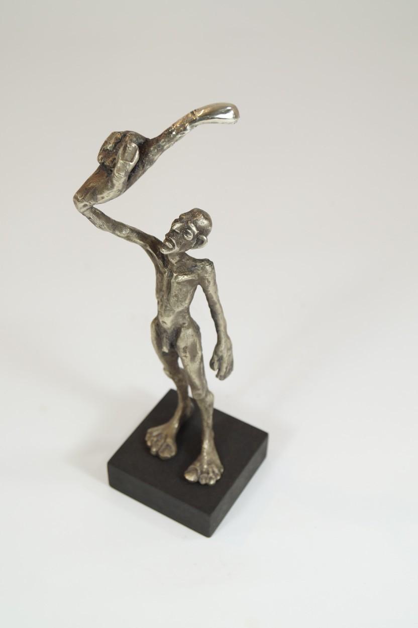 ICH - Neusilber Plastik, Skulptur von Tim David Trillsam