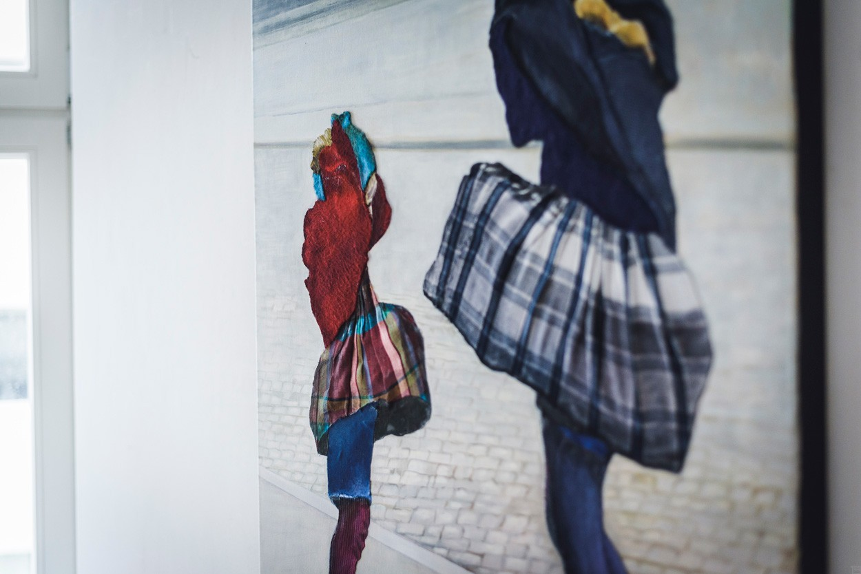 Vom Winde verweht | Detail der Malerei von Eva Nordal | Öl und Textil auf Leinwand, realistisch