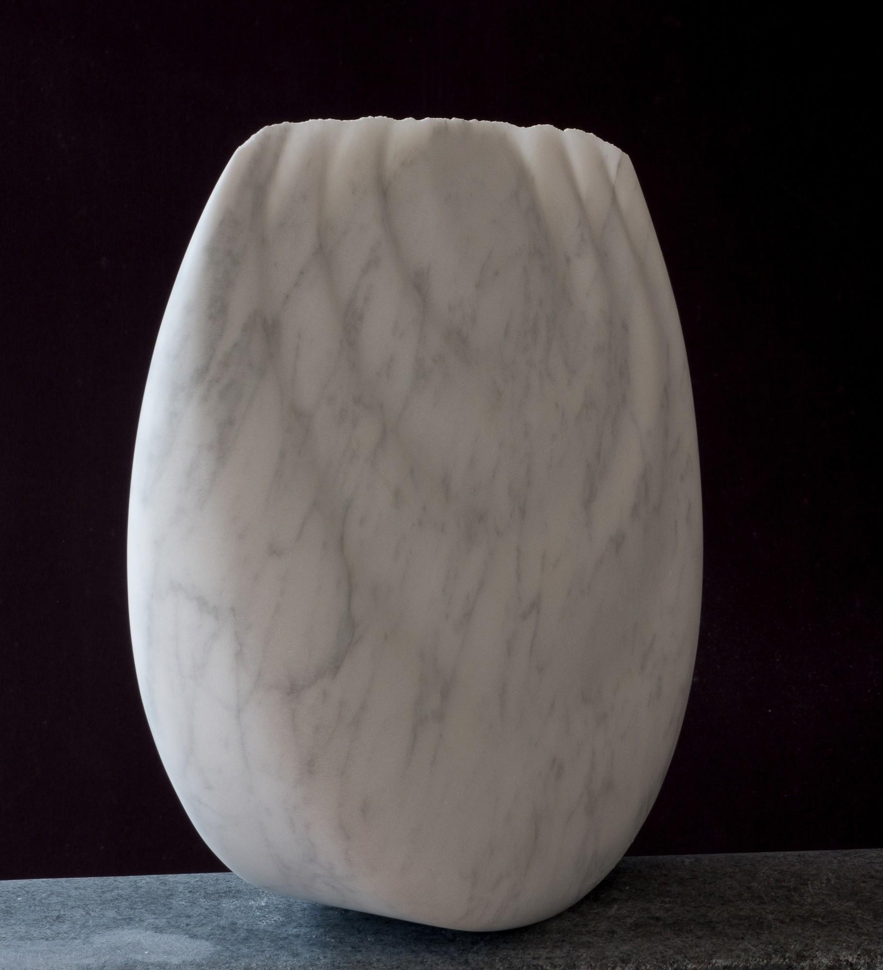 Monde, seitlich, Marmor, Stein Skulptur von Bildhauer Klaus W. Rieck