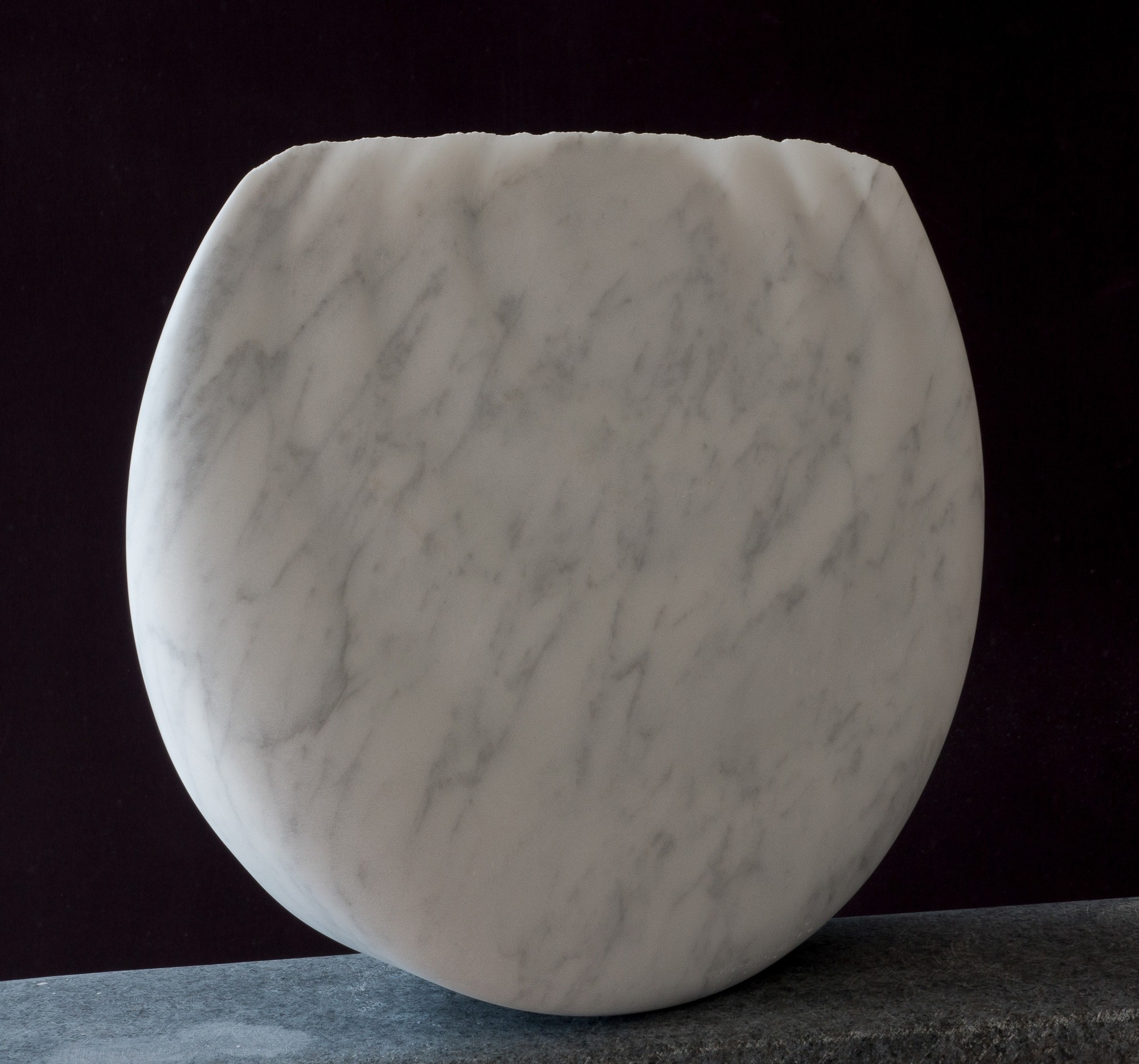 Monde, vorne rechts, aus Marmor, Stein Skulptur von Bildhauer Klaus W. Rieck