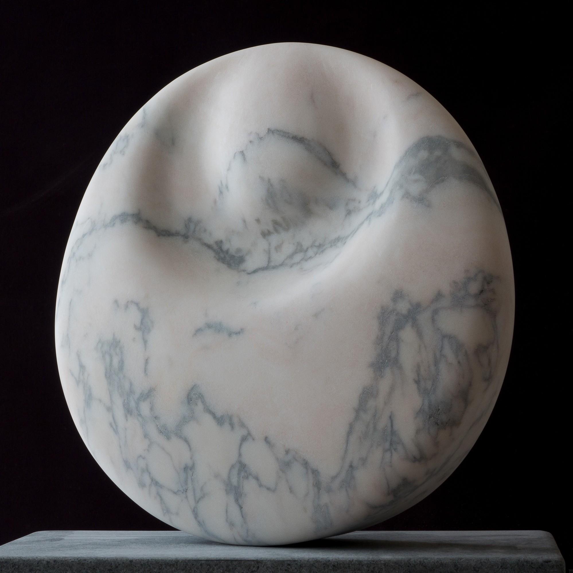 Mondstein, von links, Marmor, Stein Skulptur von Bildhauer Klaus W. Rieck