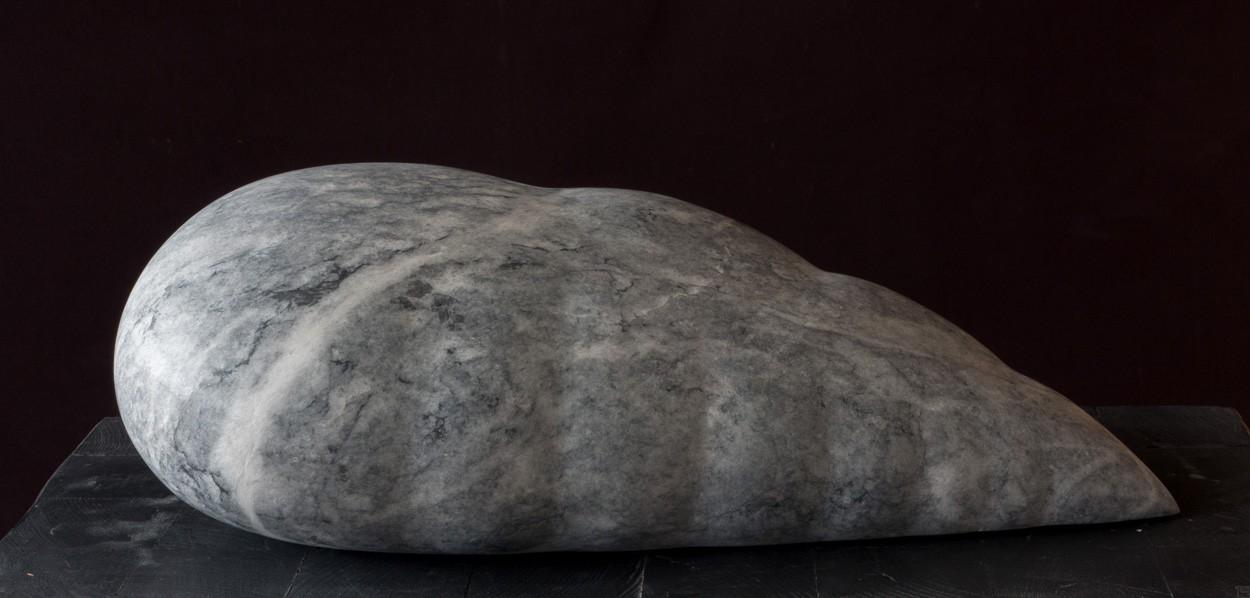 Core, frontal, Marmor, Stein Skulptur von Bildhauer Klaus W. Rieck