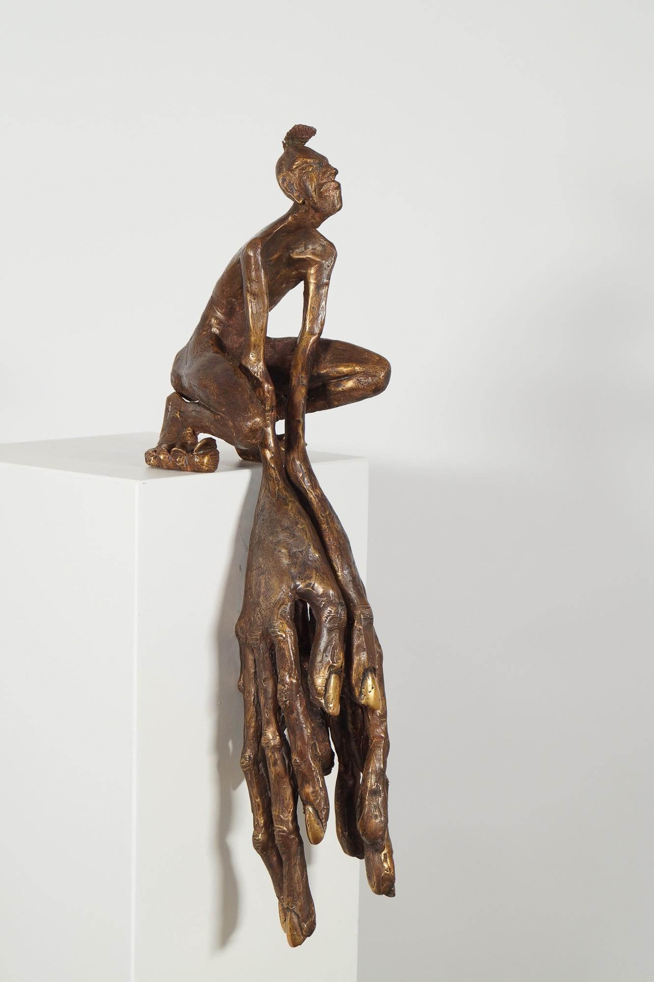 Der Kantenhocker - seiltich von rechts, Bronze Plastik, Skulptur von Tim David Trillsam, Edition