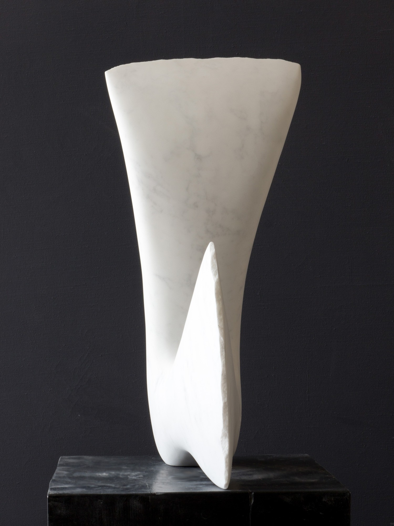 Leda, Stein Skulptur aus Marmor von Bildhauer Klaus W. Rieck (5)