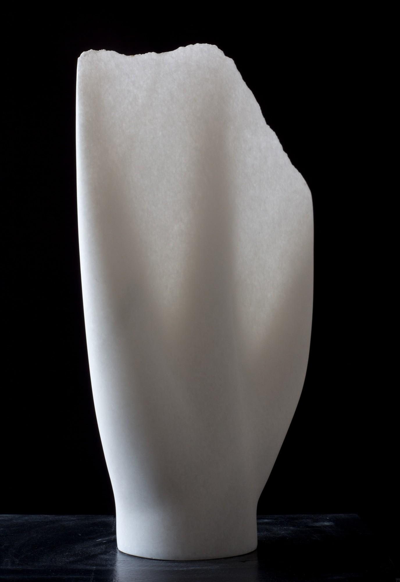 Undine, Stein Skulptur aus Marmor von Bildhauer Klaus W. Rieck