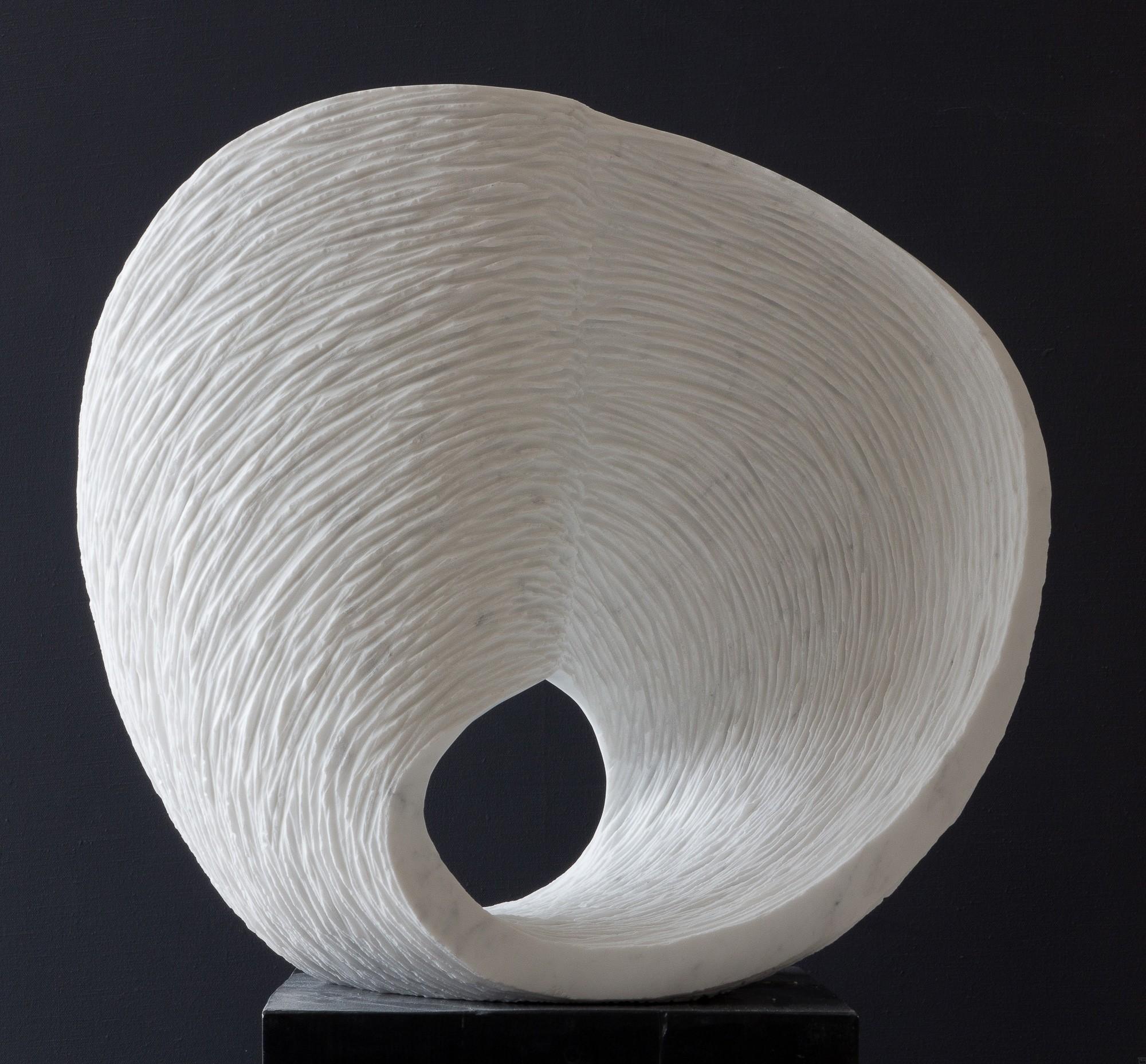 Max, Stein Skulptur aus Marmor von Bildhauer Klaus W. Rieck 04