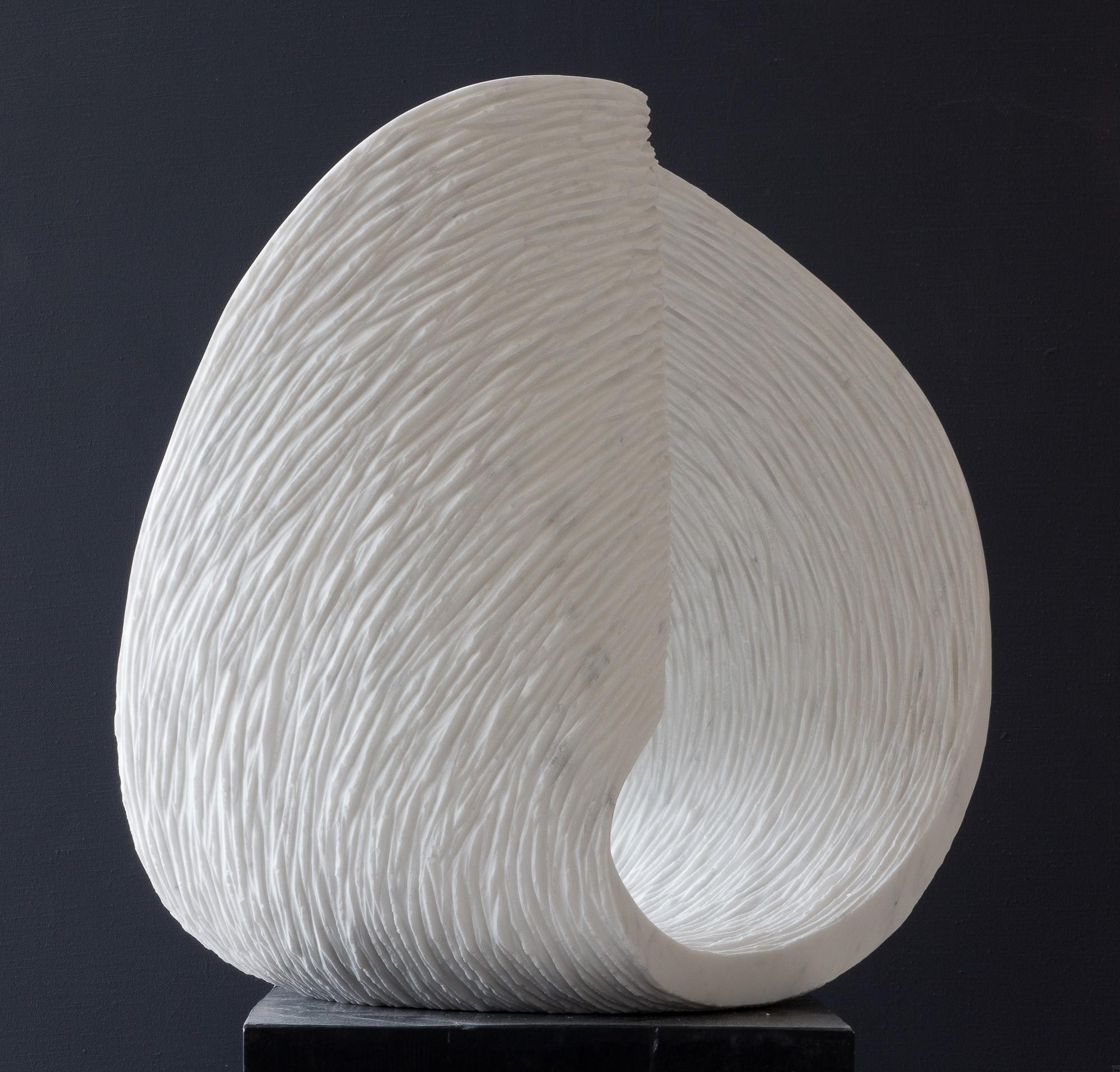 Max, Stein Skulptur aus Marmor von Bildhauer Klaus W. Rieck 03