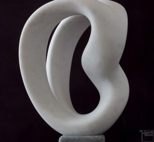 Curve, from the right | Marble Sculpture by Klaus W. Rieck, unique piece
