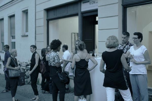 weartberlin Kunst-Ausstellung in der Galerie ICON Berlin01